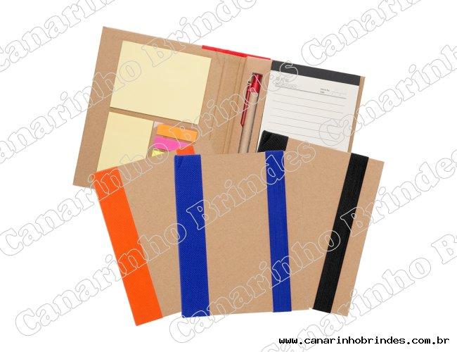 http://www.canarinhobrindes.com.br/content/interfaces/cms/userfiles/produtos/bloco-de-anotacao-com-post-it-e-caneta-6737d1-1510942528-321.jpg