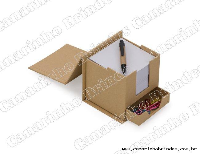 https://www.canarinhobrindes.com.br/content/interfaces/cms/userfiles/produtos/bloco-de-anotacoes-cubo-com-caneta-5839-1497022551-632.jpg