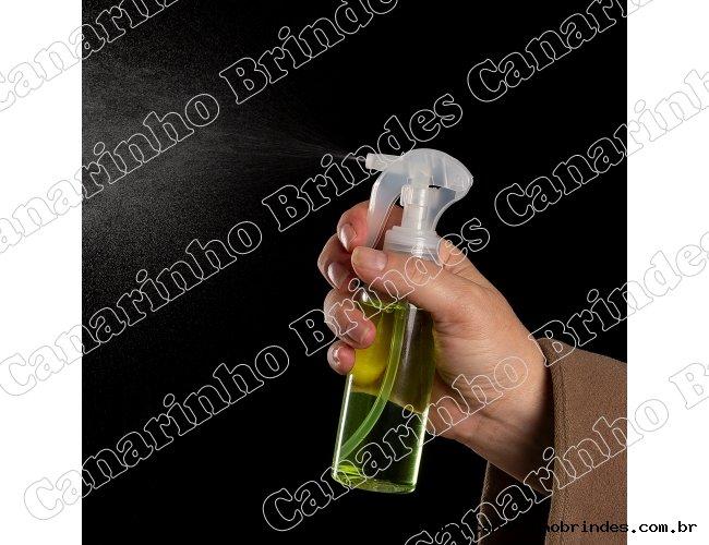 https://www.canarinhobrindes.com.br/content/interfaces/cms/userfiles/produtos/borrifador-plastico-100ml-12014d2-1594227642-386.jpg