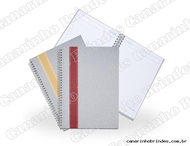 http://www.canarinhobrindes.com.br/content/interfaces/cms/userfiles/produtos/caderno-grande-com-faixa-7770d1-1529351276-250.jpg
