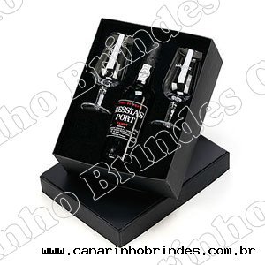 https://www.canarinhobrindes.com.br/content/interfaces/cms/userfiles/produtos/caixa-vinho-2-tacas-canarinho-brindes-203.jpg