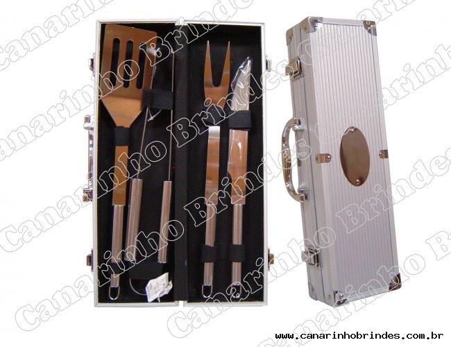 http://www.canarinhobrindes.com.br/content/interfaces/cms/userfiles/produtos/kit-churrasco-4-pecas-canarinho-brindes-611.jpg