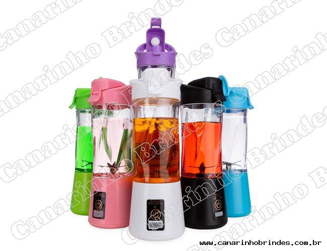 Mini liquidificador plástico com capacidade de 300ml