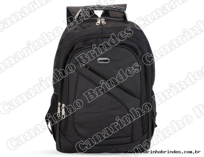 http://www.canarinhobrindes.com.br/content/interfaces/cms/userfiles/produtos/mochila-nylon-poliester-preto-7019d1-1535737772-761.jpg